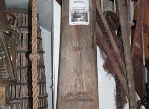 Partie du mât de misaine en très bon état de conservation (4,20 mètres)