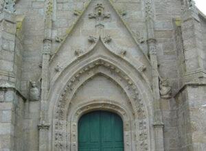 Porche de l'église St Onneau-© Audierne Info