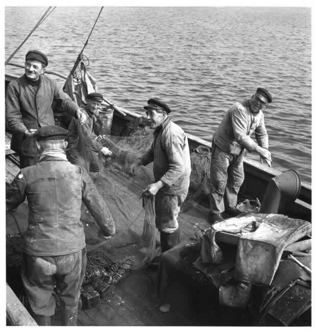Pêcheurs de filets - Port d'Audierne - Photo Denise Colomb