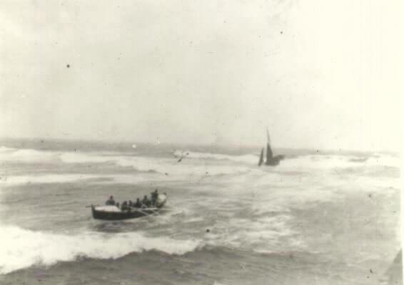 Sauvetage entrée port Audierne